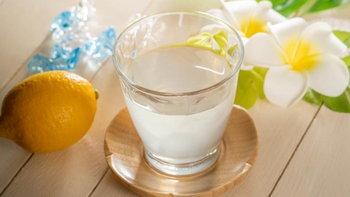 """""""น้ำอุ่นผสมน้ำมะนาวเหลือง"""" เคล็ดลับความงามและการลดน้ำหนักของคนญี่ปุ่น"""