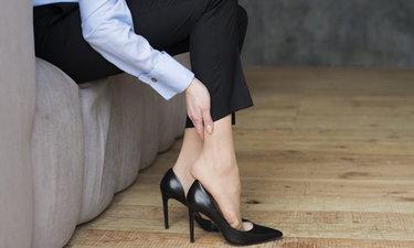 """""""รองเท้าส้นสูง"""" ความสวยที่แลกด้วยสุขภาพ"""