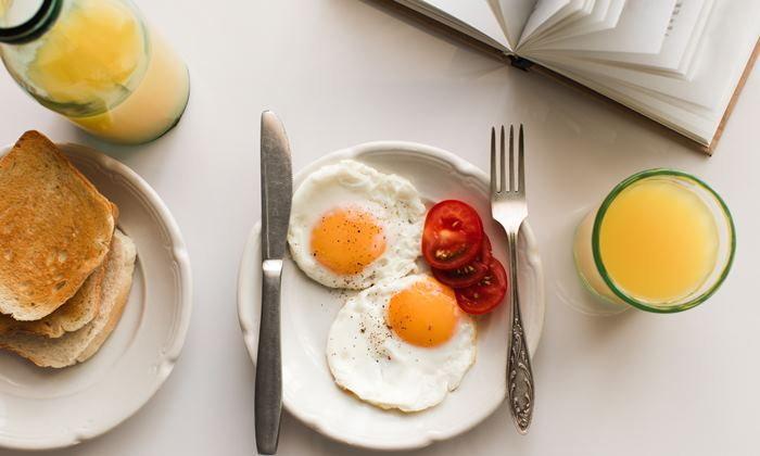 8 พฤติกรรมการกิน ที่ทำให้ลดน้ำหนัก ไม่สำเร็จสักที