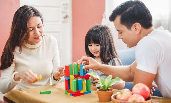 10 วิธีเล่นเพื่อพัฒนาสมองลูก เล่นอะไรกับลูกแล้วลูกฉลาดบ้าง