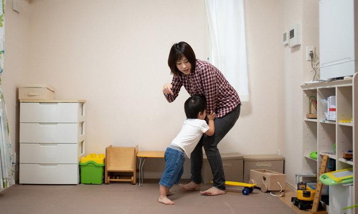 5 ประโยคที่ห้ามพูดกับลูกต่อหน้าคนอื่น พูดแล้วลูกแย่ นิสัยไม่ดีตอนโต