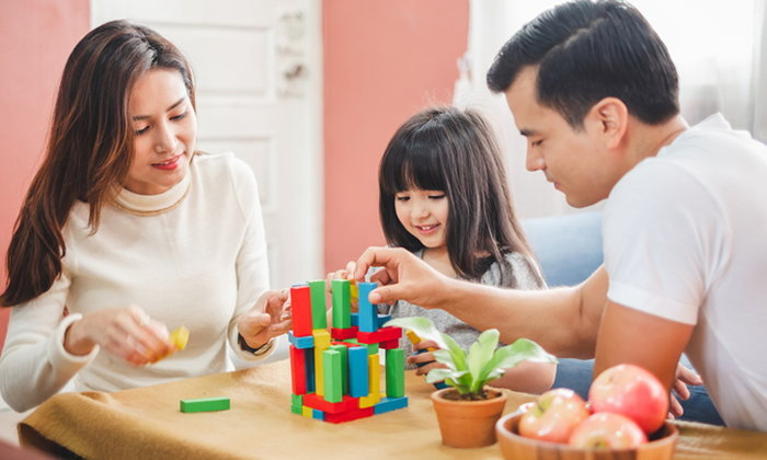 คุณหมอวิน แนะนำ กิจกรรมวันอยู่บ้าน เพื่อพัฒนาการเรียนรู้ของลูกน้อย