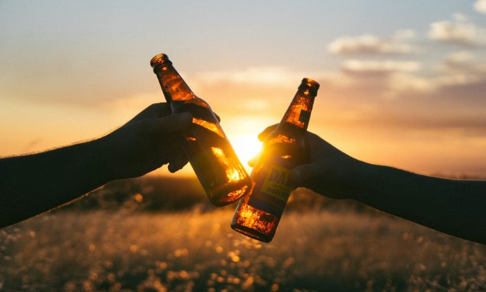 6 ประโยชน์จากการดื่มเบียร์ เห็นแบบนี้.. ก็ดีต่อสุขภาพเหมือนกันนะ !