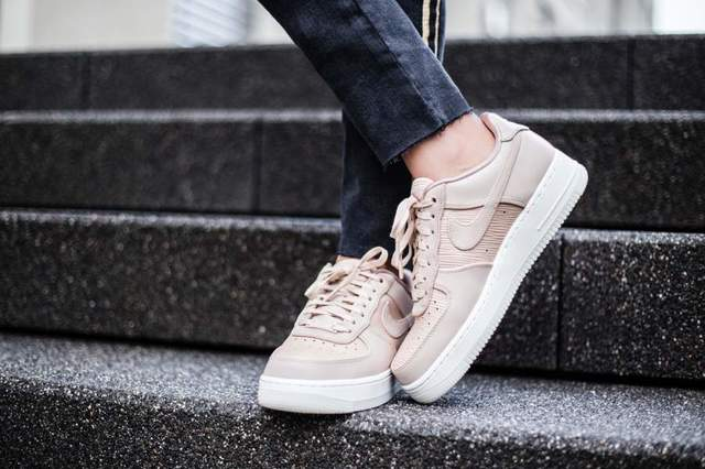 1515731844 nike wmns air force 1 07 lux pink white 898889 201 mood 3
