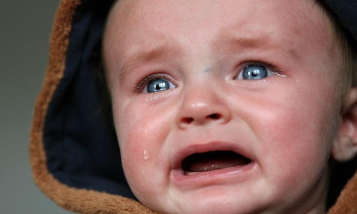 9 วิธีง่ายๆ ทำให้ทารกหยุดร้องไห้ ในไม่กี่นาที