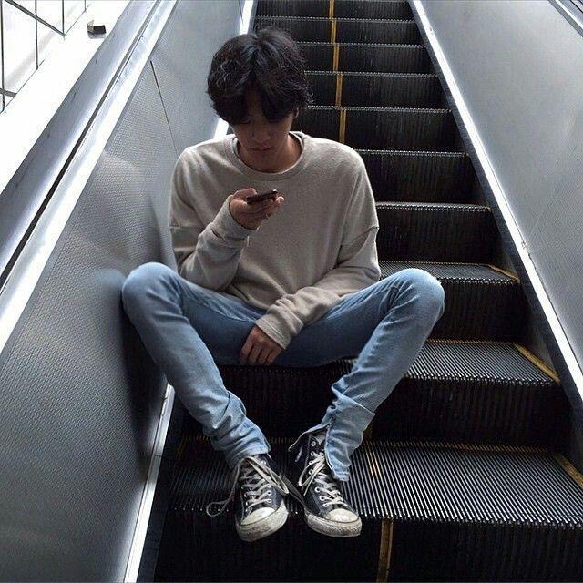 1526350164 7ec745302a3db645fb4b5dc7e0c96e40  fashion male korean fashion