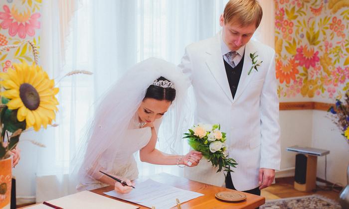 12 ข้อดีของการจดทะเบียนสมรส ข้อดีของทะเบียนสมรสที่เมียถูกกฎหมายต้องรู้