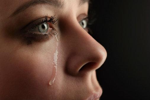 ผลการค้นหารูปภาพสำหรับ ผู้หญิงร้องไห้